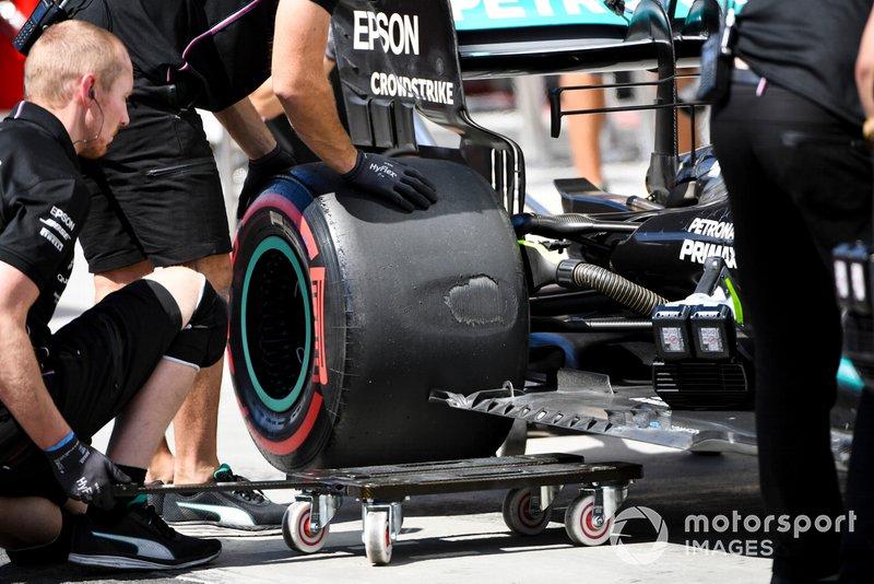 Mercedes mekanikerleri, Valtteri Bottas, Mercedes AMG W10