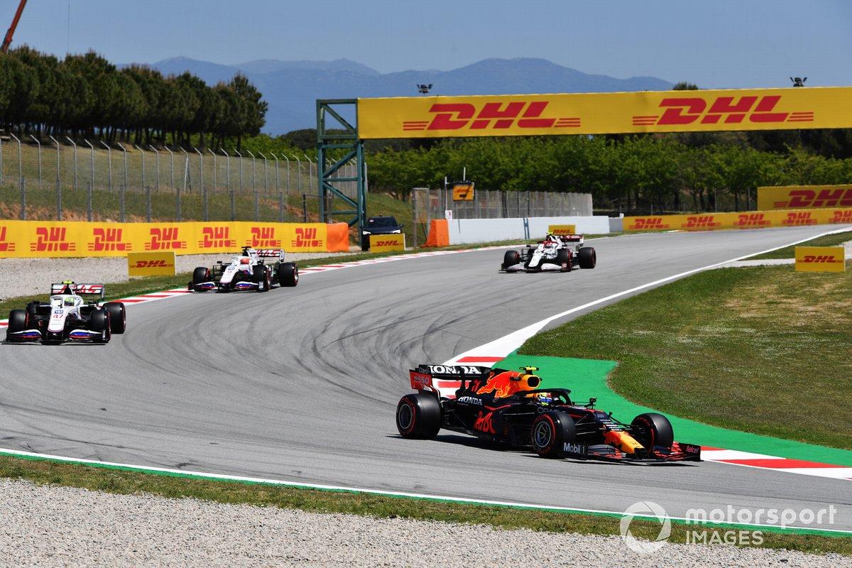 Sergio Pérez, Red Bull Racing RB16B, Mick Schumacher, Haas VF-21, Nikita Mazepin, Haas VF-21, Antonio Giovinazzi, Alfa Romeo Racing C41