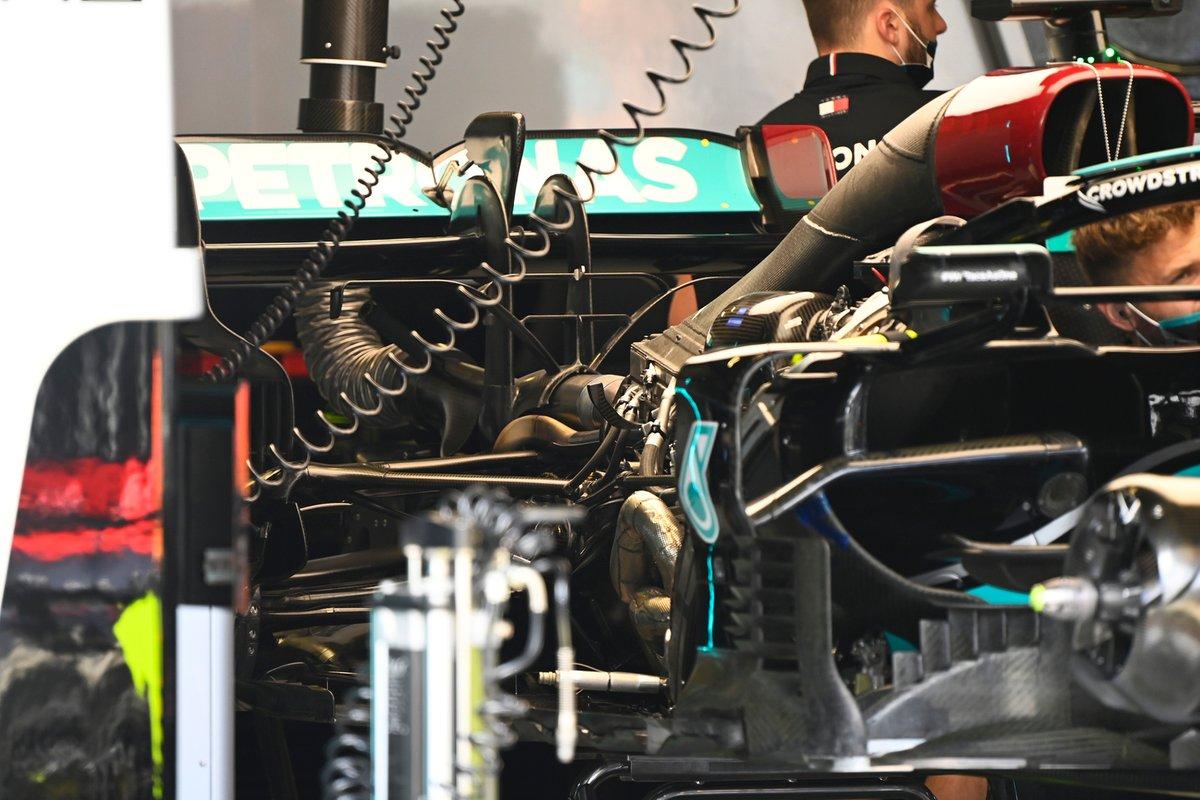 Toma de la zona del motor del Mercedes W12
