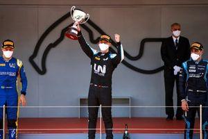Felipe Drugovich, Uni-Virtuosi, Race winner Guanyu Zhou, Uni-Virtuosi Racing Roy Nissany, DAMS celebrate on the podium with the trophy