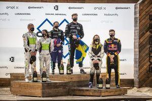 Prima classificata, Molly Taylor, Johan Kristoffersson, Rosberg X Racing , seconda classificata, Jamie Chadwick, Stephane Sarrazin, Veloce Racing , terza classificata, Mikaela Ahlin-Kottulinsky, Kevin Hansen, JBXE Extreme-E Team Ocean Prix