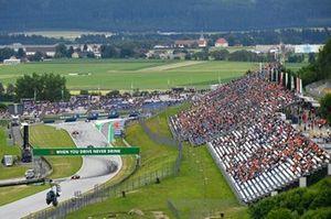 Charles Leclerc, Ferrari SF21, Lewis Hamilton, Mercedes W12, and Carlos Sainz Jr., Ferrari SF21