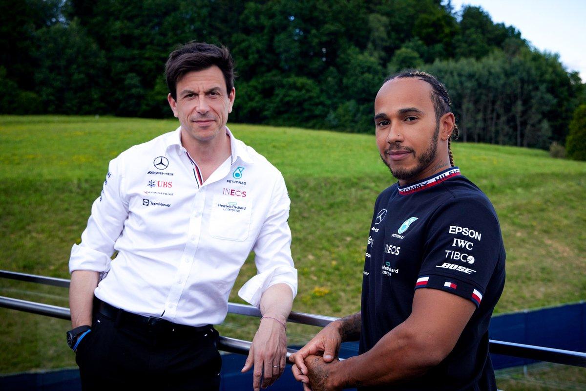 Toto Wolff, director de Mercedes y Lewis Hamilton, Mercedes