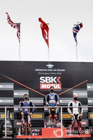 Podio: segundo lugar Garrett Gerloff, GRT Yamaha WorldSBK Team, ganador Toprak Razgatlioglu, PATA Yamaha WorldSBK Team, tercer lugar Tom Sykes, BMW Motorrad WorldSBK Team