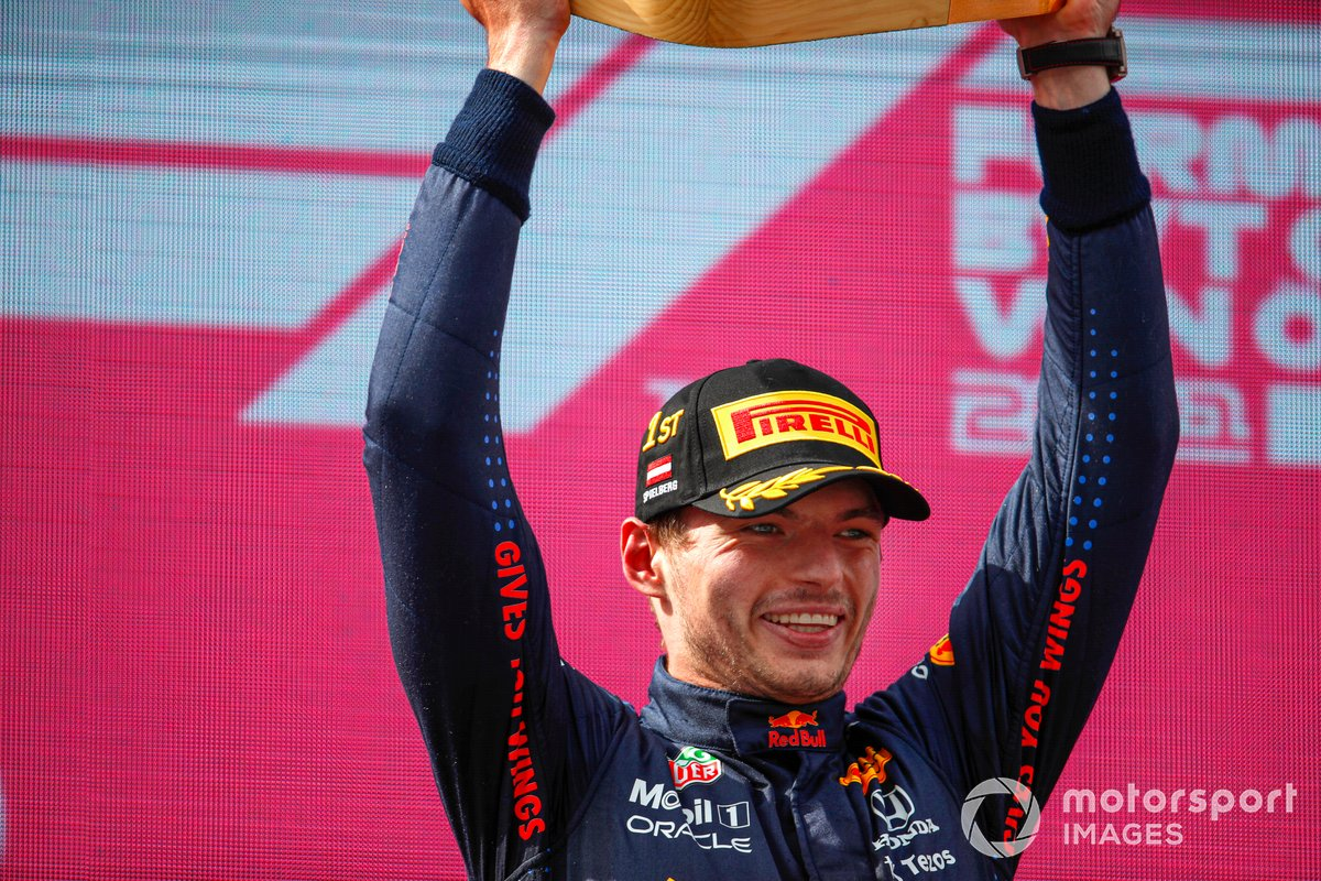 Podio: ganador Max Verstappen, Red Bull