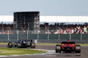 Valtteri Bottas, Mercedes W12, Charles Leclerc, Ferrari SF21