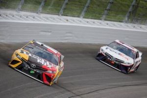 Kyle Busch, Joe Gibbs Racing, Toyota Camry M&M's Mix, Denny Hamlin, Joe Gibbs Racing, Toyota Camry FedEx Freight