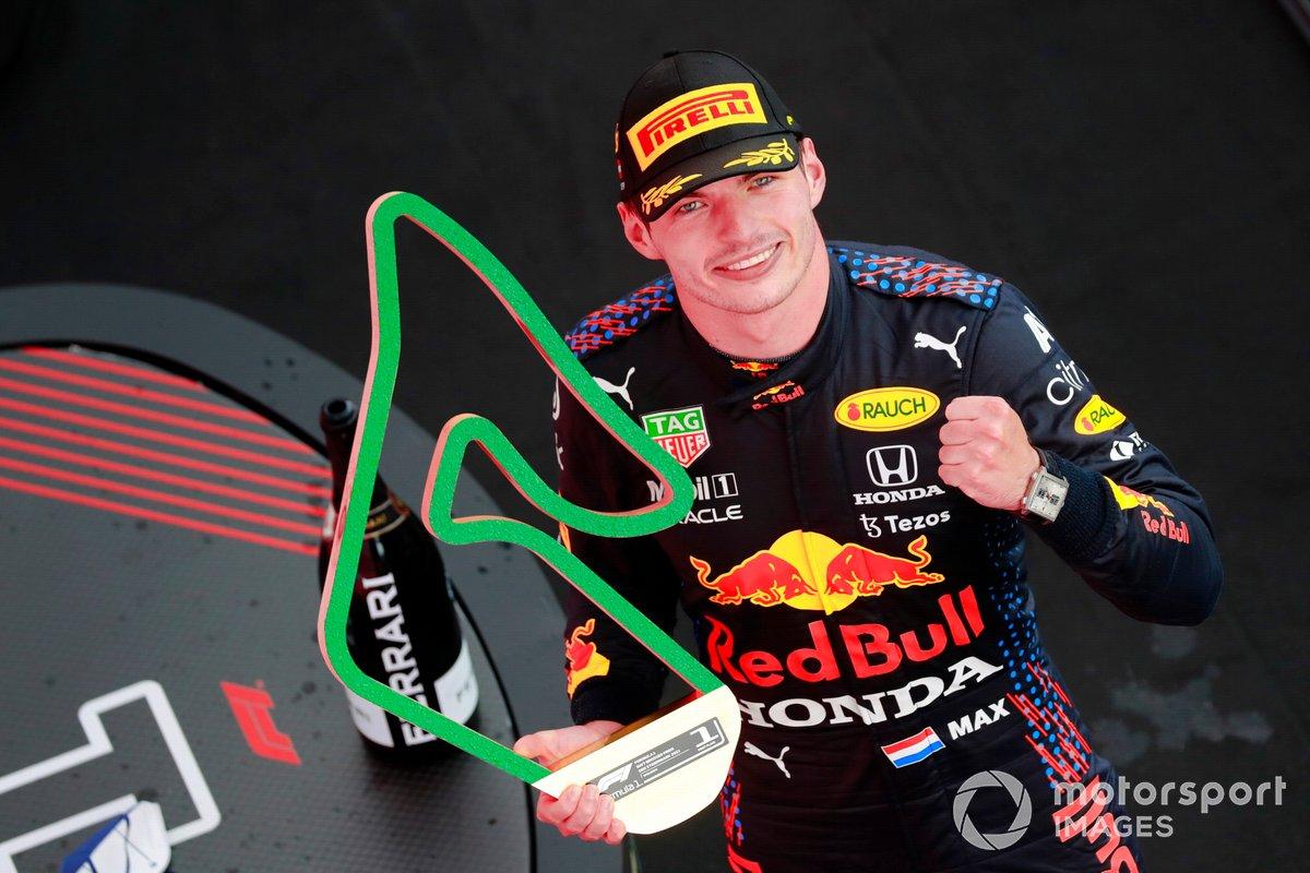 Ganador de la carrera Max Verstappen, Red Bull Racing