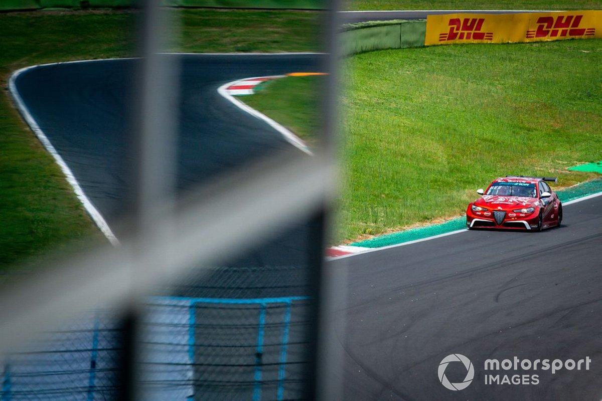 Oliver Webb, Romeo Ferraris M1RA, Alfa Romeo Giulia ETCR