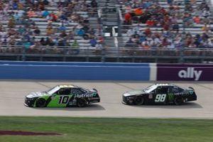 Jeb Burton, Kaulig Racing, Chevrolet Camaro Nutrien Ag Solutions, Riley Herbst, Stewart-Haas Racing, Ford Mustang Monster Energy