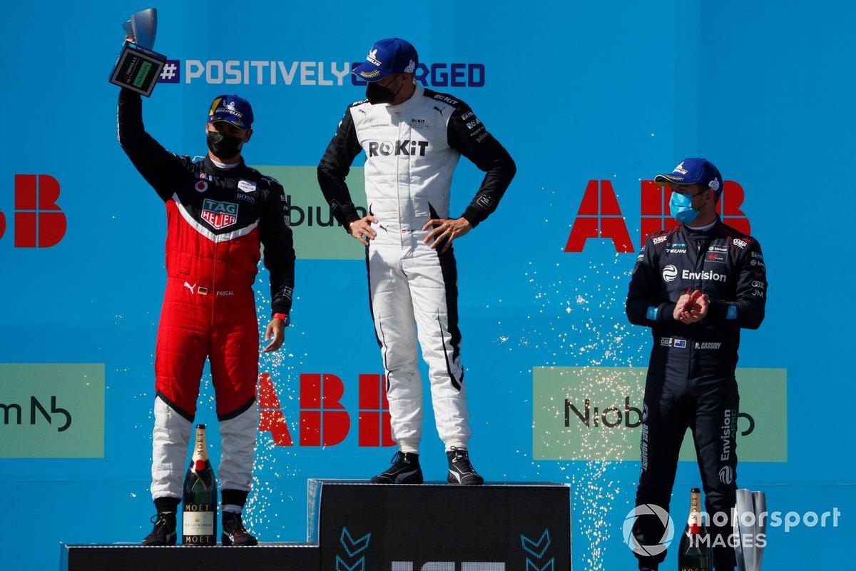 Podio: Segundo lugar Pascal Wehrlein, Tag Heuer Porsche, ganador Edoardo Mortara, Venturi Racing, tercer lugar Nick Cassidy, Envision Virgin Racing