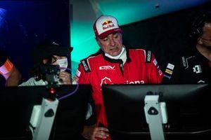 Carlos Sainz, Sainz XE Team, in the command centre