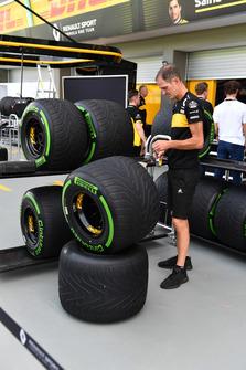 Renault Sport F1 Team et des pneus Pirelli