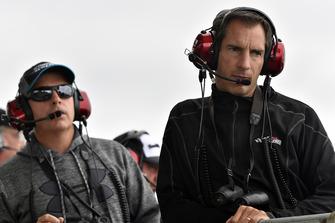 Tony Hirschman, spotter per Kyle Busch, Joe Gibbs Racing, Toyota Camry M&M's Caramel