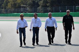 Danny Sullivan, FIA Steward walks the track