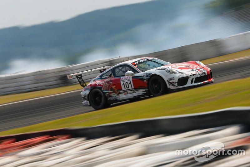 #101 GIGASPEED Team GetSpeed Performance Porsche 911 GT3 Cup: John Shoffner, Janine Hill, Arno Klasen