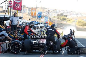 Carlos Muñoz, Schmidt Peterson Motorsports Honda, pit stop
