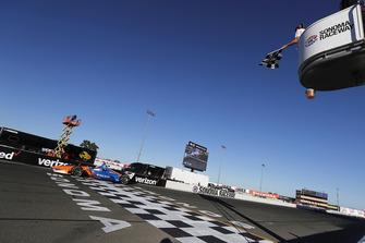 Scott Dixon, Chip Ganassi Racing Honda krijgt de vlag