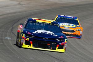William Byron, Hendrick Motorsports, Chevrolet Camaro AXALTA and Ricky Stenhouse Jr., Roush Fenway Racing, Ford Fusion SunnyD