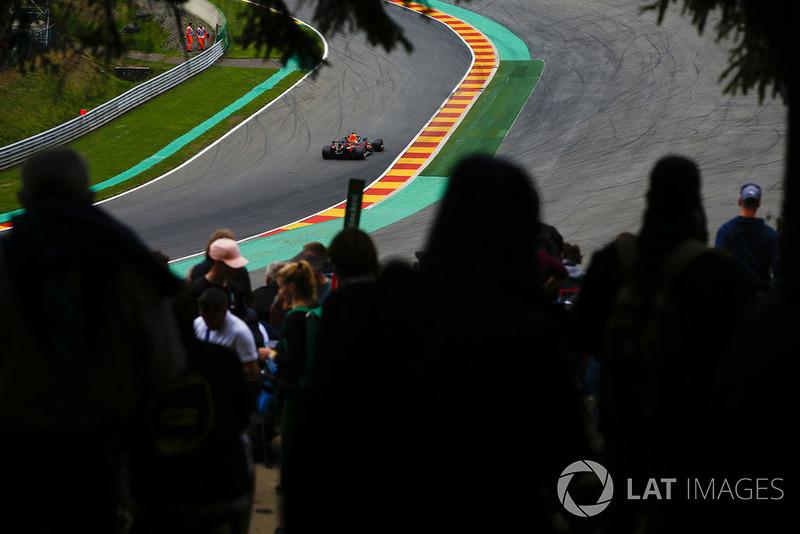 Daniel Ricciardo, Red Bull Racing RB14, at Pouhon