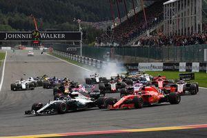 Start zum GP Belgien 2018 in Spa: Lewis Hamilton, Mercedes AMG F1 W09 EQ Power+, führt