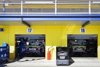 Alex Bowman, Hendrick Motorsports, Chevrolet Camaro Valvoline, Jimmie Johnson, Hendrick Motorsports, Chevrolet Camaro Lowe's for Pros