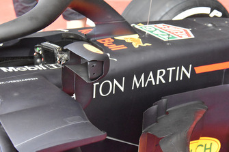 Red Bull Racing RB14 mirror detail