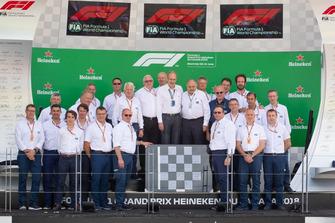 El presidente de ASN Canadá, Roger Peart, fue honrado por la FIA