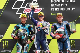 Podio: segundo lugar Aron Canet, Estrella Galicia 0,0, ganador de la carrera Fabio Di Giannantonio, Del Conca Gresini Racing Moto3, tercer puesto Jakub Kornfeil, Prustel GP