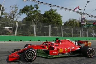 Sebastian Vettel, Ferrari SF71H wit aero paint