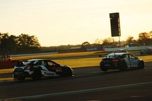 Matt Neal, Halfords Yuasa Racing Honda Civic Type R