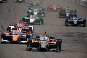 Pato O'Ward, Arrow McLaren SP Chevrolet en tête au restart