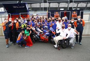 Race winner Miguel Oliveira, Red Bull KTM Tech 3 celebrates with teams members