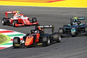 Richard Verschoor, MP Motorsport leads Jake Hughes, HWA Racelab and Frederik Vesti, Prema Racing