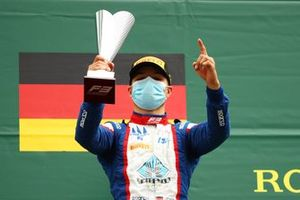 Race winner Lirim Zendeli, Trident