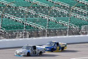 Johnny Sauter, ThorSport Racing, Ford F-150 Vivitar Todd Gilliland, Front Row Motorsports, Ford F-150 Speedco