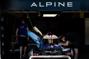 #36 Signatech Alpine ELF - Alpine A470 - Gibson: Pierre Ragues, Andre Negrão, Thomas Laurent