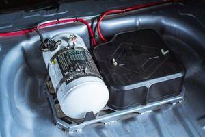 Огнетушитель и аккумулятор на Audi RS3 TCR