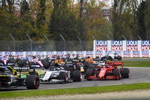 Pierre Gasly, AlphaTauri AT01, Charles Leclerc, Ferrari SF1000, Alex Albon, Red Bull Racing RB16, Carlos Sainz Jr., McLaren MCL35, Lando Norris, McLaren MCL35, and the remainder of the field at the start
