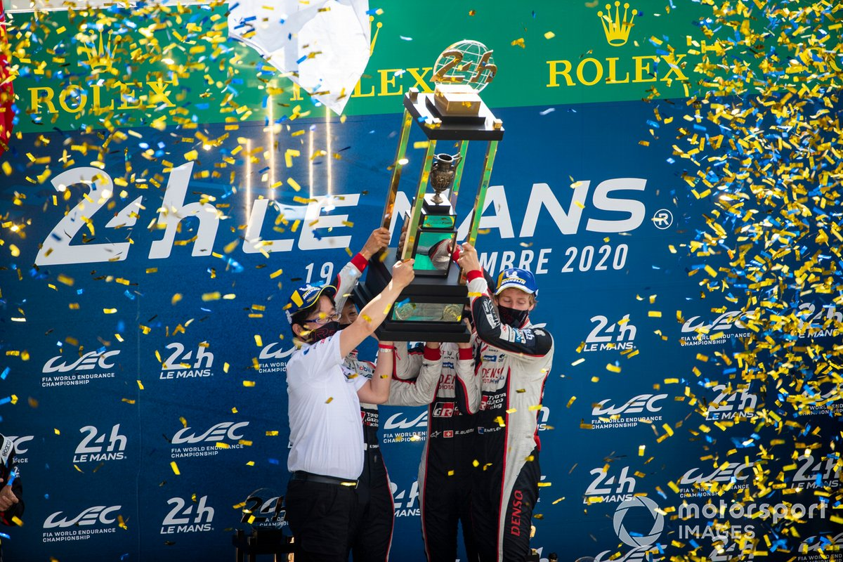 Podio: ganador #8 Toyota Gazoo Racing Toyota TS050: Sebastien Buemi, Kazuki Nakajima, Brendon Hartley