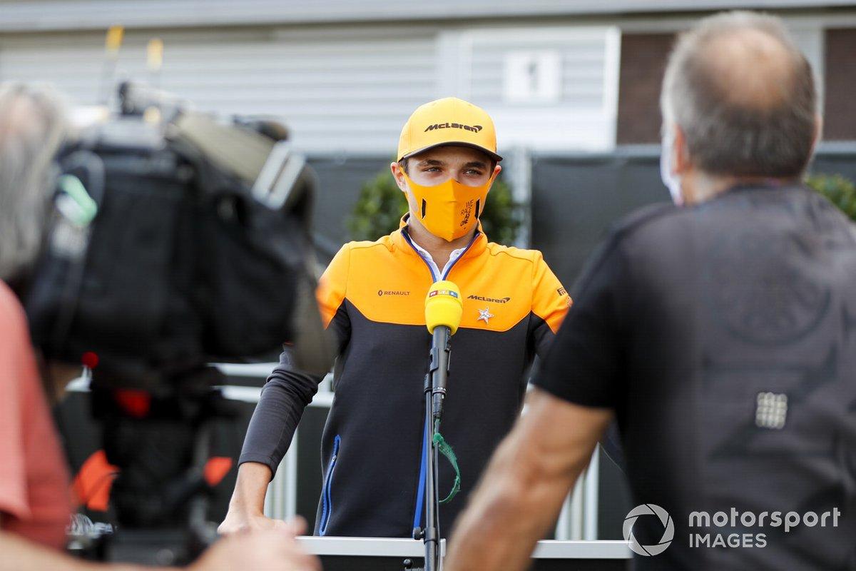Lando Norris, McLaren con los medios