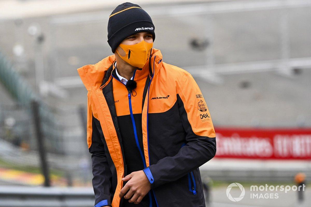 Lando Norris, McLaren fait un tour de piste