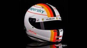 El casco de Sebastian Vettel en honor a Michael Schumacher para el GP de Eifel F1