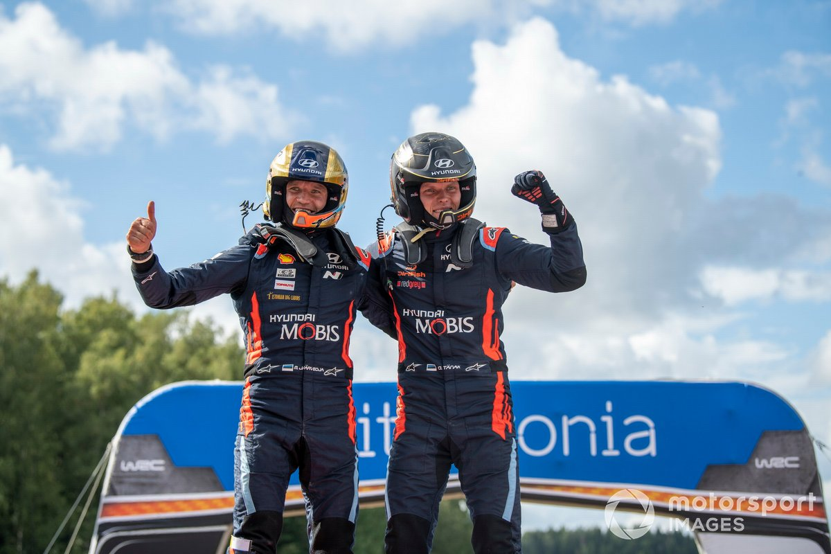 Ganadores Ott Tänak, Martin Järveoja, Hyundai Motorsport Hyundai i20 Coupe WRC