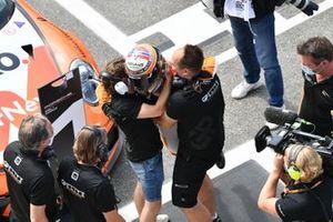 Larry ten Voorde, Team GP Elite, 1st position, celebrates with his team mates in Parc Ferme