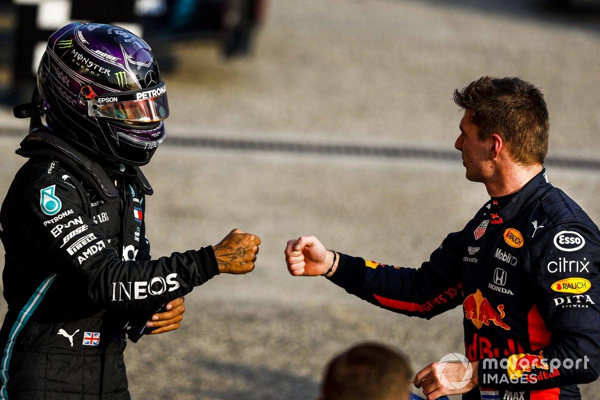 Lewis Hamilton, Mercedes-AMG F1 e Max Verstappen, Red Bull Racing festeggia nel parco chiuso