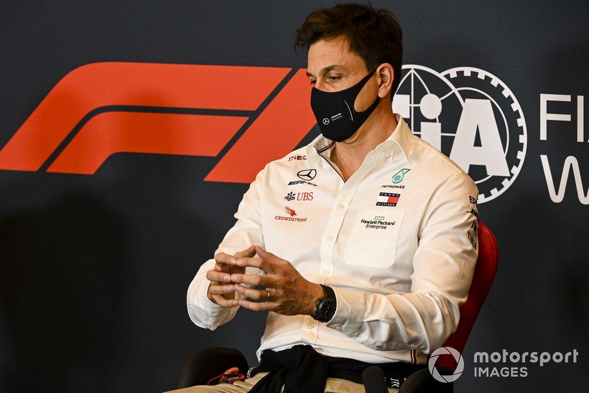 Toto Wolff, Director Ejecutivo Mercedes AMG, en una conferencia de prensa