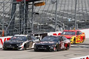 Clint Bowyer, Stewart-Haas Racing, Ford Mustang Haas Automation, Aric Almirola, Stewart-Haas Racing, Ford Mustang Smithfield Hometown Original, Ryan Blaney, Team Penske, Ford Mustang Advance Auto Parts