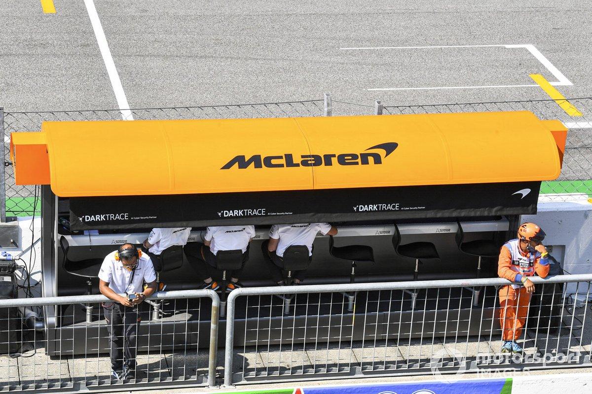 El muro de pits de McLaren