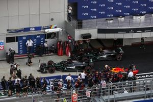 Pole man Lewis Hamilton, Mercedes F1 W11, Max Verstappen, Red Bull Racing RB16, and Valtteri Bottas, Mercedes F1 W11, in Parc Ferme after Qualifying